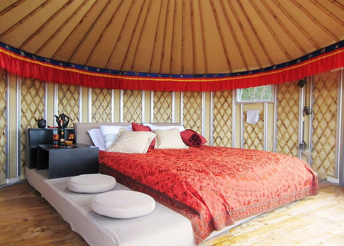 21 Square Meters Mongolian Homes Yurts Tent For Living Waterproof Sun Proof